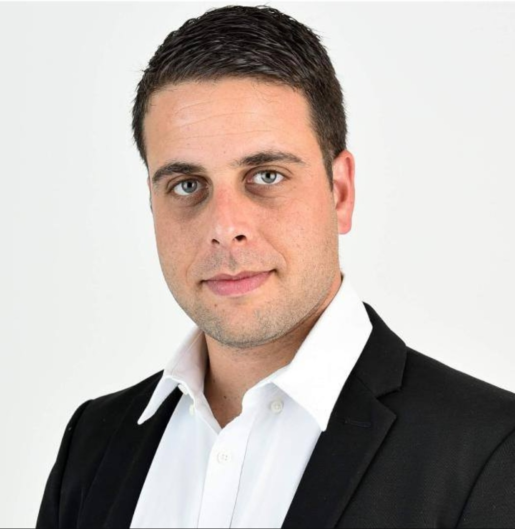 שניר ארנהלט